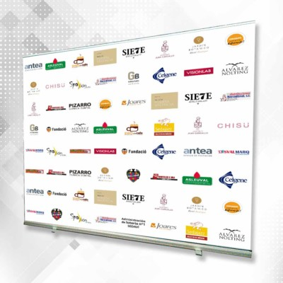 Impresion Digital Gran Formato Roll-Up. Lona montada sobre sistema roll up para utilizar como photocall